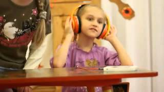 Как дети реагируют на DABSTEP (how children respond to dubstep)