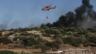 Tűz pusztít Athén közelében