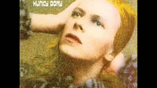 Watch David Bowie Pretty Thing video