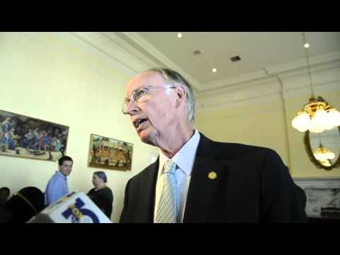 Alabama Gov. Robert Bentley fields impeachment questions in Montgomery