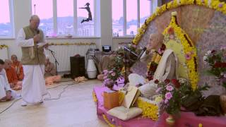 2012.11.03. Vyasa Puja -3- Offerings HG Sankarshan Das Adhikari Kaunas Lithuania