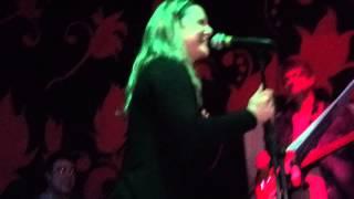 Ana Cristina de Oliveira - Jesus Humilha o Satanás