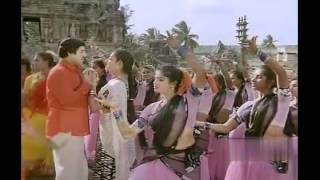 "Like us on Facebook - https://www.facebook.com/cinecurrytamil Watch The Song ""Kaveri Aaru"" From Themmangu Pattukaran. Themmangu Pattukaran is a 1997 Tamil mo..."