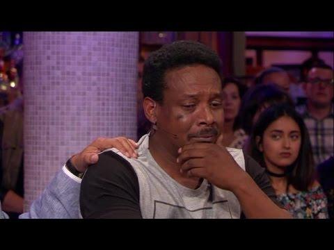 Vader breekt bij verhaal over gewurgd zoontje (7) - RTL LATE NIGHT