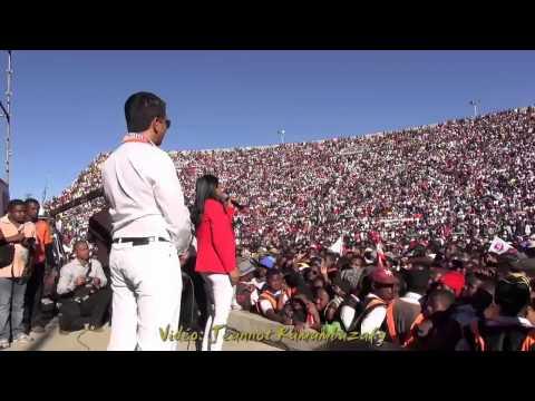 Lalatiana Rakotondrazafy & Andry Rajoelina Coliseum 26 Juillet 2015