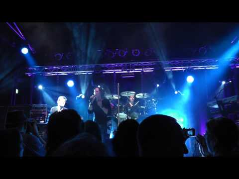 "BOUNCE (Bon Jovi Tributeband) live mit ""Thank you for loving me"" in der COBRA in Solingen am 05.01.2013 und Stefan Nawrocki am Keyboard http://www.bonjovitri..."
