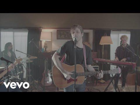 Benjamín Amadeo - No Te Enamores (Official Video)
