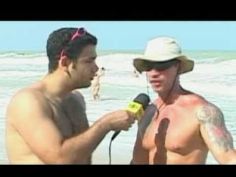 PELADO NA PRAIA  - BAND - REPORTER NAKED ON THE BEACH