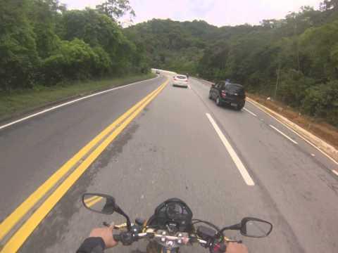 T Hornet - ACIDENTE DE MOTO NA SERRA DE BERTIOGA /MOTORCYCLE ACCIDENT