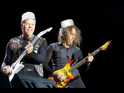 Metallica Menyanyi Lagu Raya 2014 !!! video