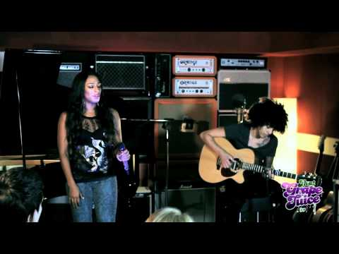 Alexandra Burke - Hallelujah (Live Acoustic)