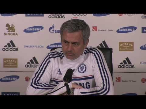 Jose Mourinho: Arsenal stuck with Wenger in 'bad moments'