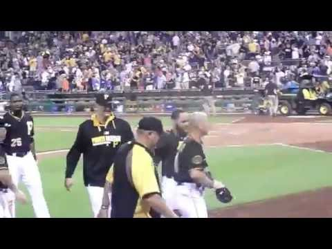 Pittsburgh Pirates defeat newyork mets 3-2 on josh harrison hit june 27th 2014