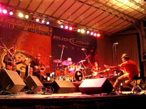 Everyone Orchestra - Brenden Bayliss (Umphrey's McGee) - Fool In The Rain - 10/11/09