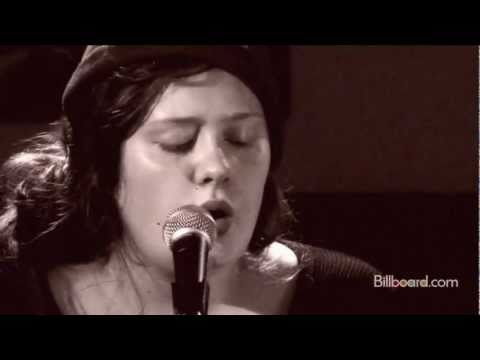 "Adele - ""Chasing Pavements"" LIVE from the ARCHIVE"