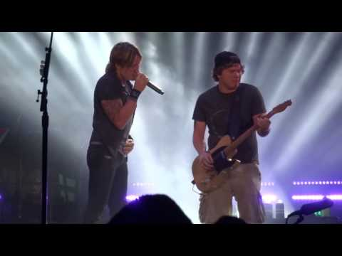 Keith Urban Good Thing with Rob Joyce from Berlin, MA 7/2/16 Meadowbrook 00000