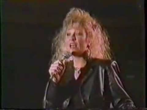Tanya Tucker - Strong Enough To Bend