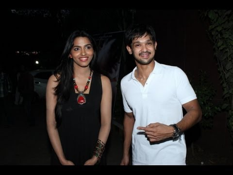VALLINAM FIRST LOOK LAUNCH NAKUL MRUDHULA BASKER ARIVAZHAGAN PART 1 - BEHINDWOODS.COM