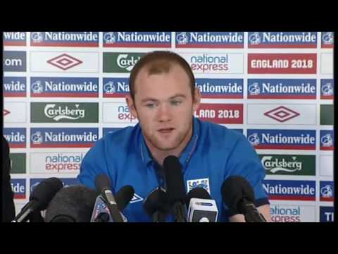 Wayne Rooney gives his support to Ryan Shawcross