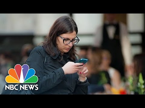 Texting While Walking Could Soon Send You To Jail In NJ | NBC News