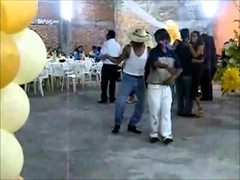 los compadres bailando tribal 2010