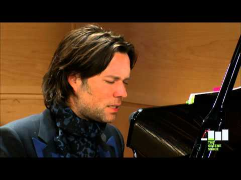 "Rufus Wainwright, ""Respectable Dive"", Live in The Greene Space"