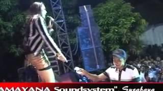 download lagu Dangdut Koplo OM Monata Elsa Safira - Ngelali gratis