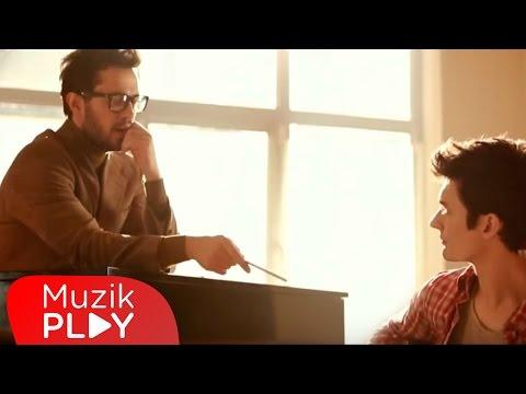 Oğuz Berkay Fidan feat. Murat Boz - Olmuyor (Official Video)