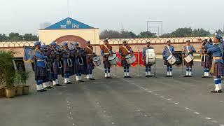 bag pipe tune phulo SA chehra tera playing by CRPF
