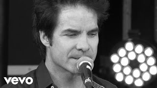 Train - Angel in Blue Jeans Xperia Access  V Festival - Lounge