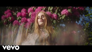 Vera Blue - All The Pretty Girls (Official Video)