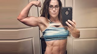 49 years young muscle woman Jennifer Riggs