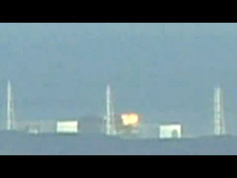 Fukushima reactor 3 explosion (HD March 14 2011 - Japanese nuclear plant blast)