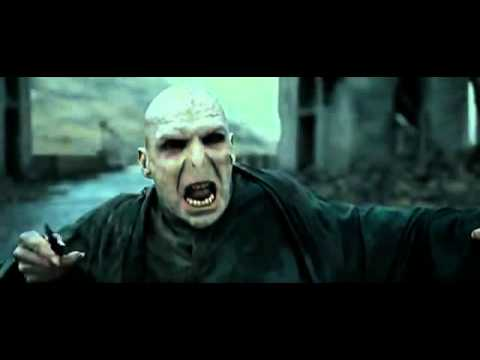 Harry Potter Vs Lord Voldemort - Final Battle Hogwarts Courtyard video