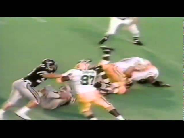 Oregon DT Marcus Woods sacks Texas Tech QB Jamie Gill 9-14-91