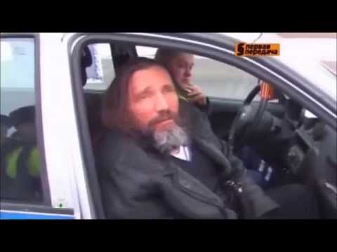 Пьяный поп на Ленд Крузоре - бывший уголовник и рэкетир.