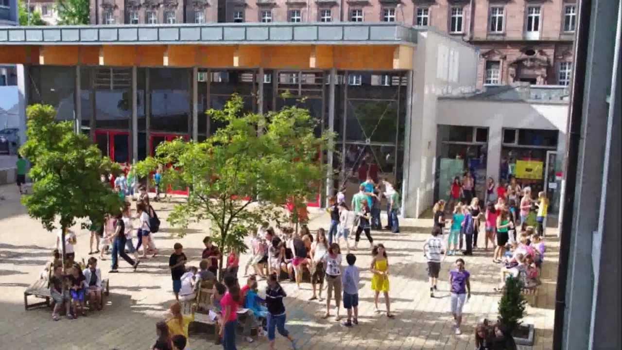 Photoalbum des UrsulinenGymnasiums, Mannheim  YouTube -> Tv Lowboard Quoka Mannheim