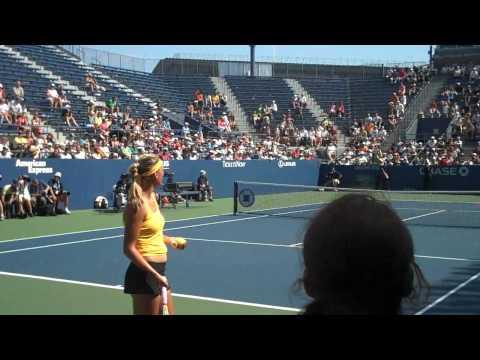 Victoria Azarenka vs. Francesca Schiavone HD courtside (2009 US Open)