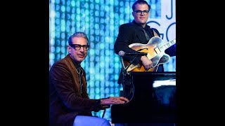 Jeff Goldblum Performs Live Music