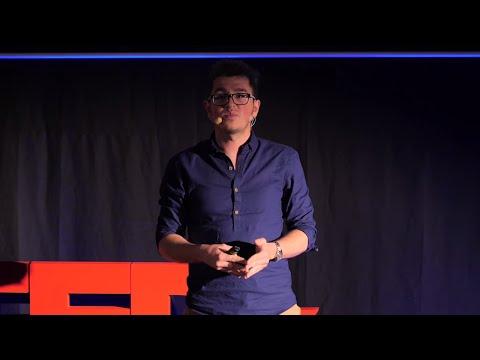 Podróże kształcą | Jakub Rybicki | TEDxLazarskiUniversity