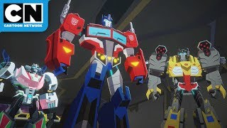 The Space Between | Transformers Cyberverse | Cartoon Network