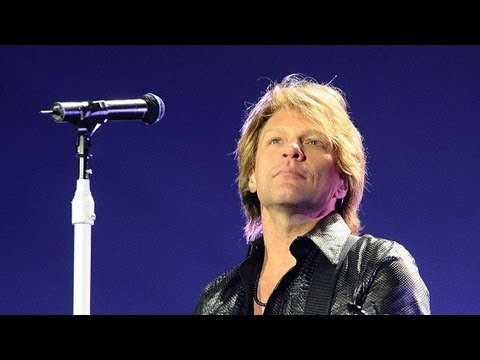 Bon Jovi - Livin' On A Prayer (the Concert For Sandy Relief ) video