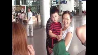Ra sân bay đón Việt kiều