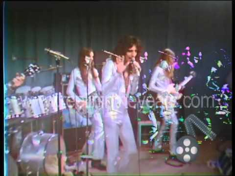 "Alice Cooper ""Eighteen"" 1971 (Reelin' In The Years Archives)"