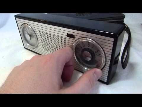 Rogers Majestic (Philips) transistor clock radio (Holland 1958)