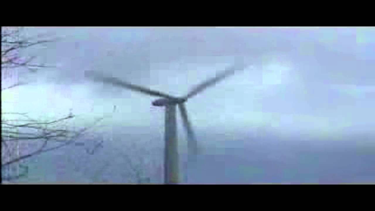 A Violent Wind Destroyed A Wind Turbine Youtube