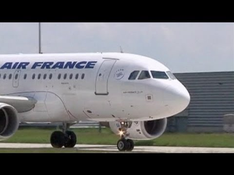 Air France speeds up job cuts
