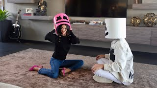 Download Lagu Selena Gomez x Marshmello - Wolves (Official Vertical Video) Gratis STAFABAND