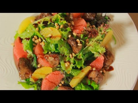 Салат с карамелизированой куриной печенью и цитрусовыми. Рецепт от шеф-повара.
