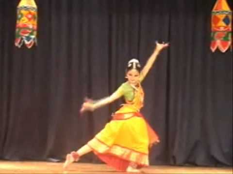 Bharatanatyam Performance- Kalakshetra Hindolam Thillana Kanya Manoj video